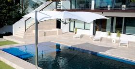 tuuci-ocean-master-max-manta-cantilever-parasol